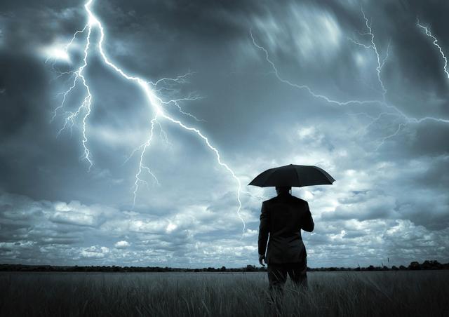 Cómo evitar ser alcanzado por un rayo durante una tormenta eléctrica