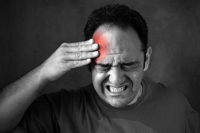 Una vez que el dolor de cabeza de migraña se establece, cualquier tipo de información sensorial se vuelve insoportable