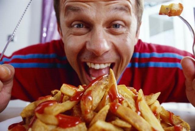 Cinco alimentos en exceso que debilitan los huesos