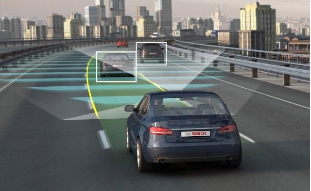 Tecnología especial para detectar otros autos y carretera