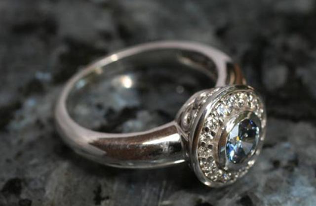 #3 Diamantes con restos humanos