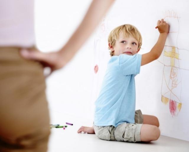padres hijos disciplina castigos