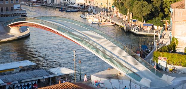 El puente de la discordia de Calatrava en Venecia