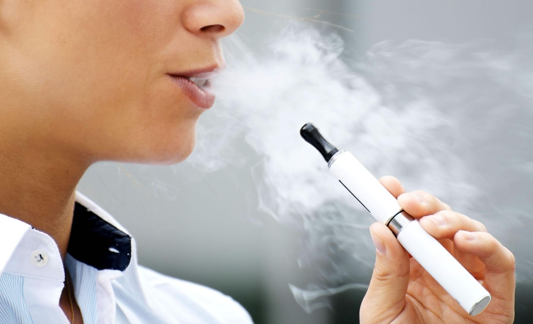 cinco aplicaciones para amantes de los cigarros