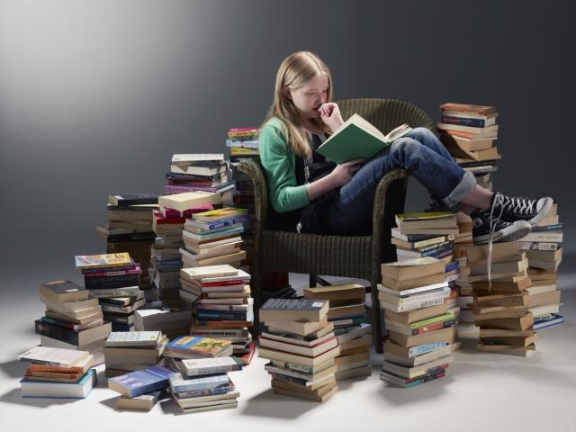 Te contamos 5 beneficios de la lectura, porque leer hace bien