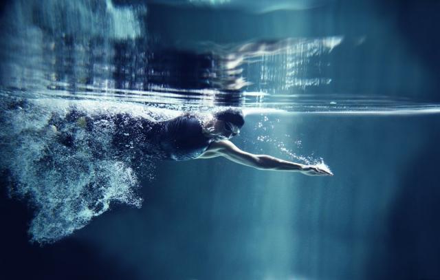 riesgos nadar piscinas salud02
