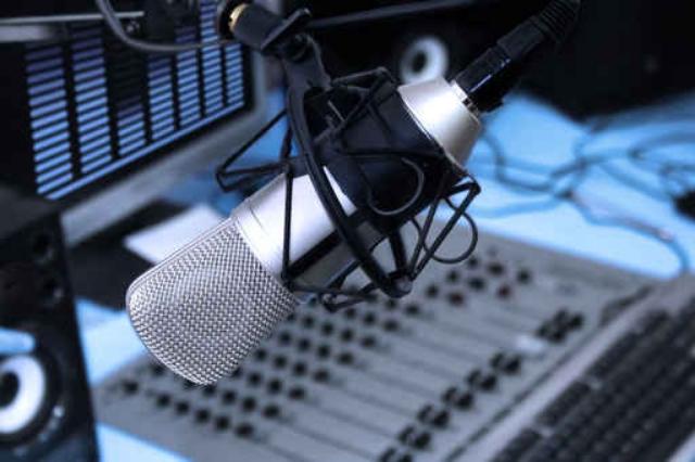 como hacer un guion radiofonico escribir para radio