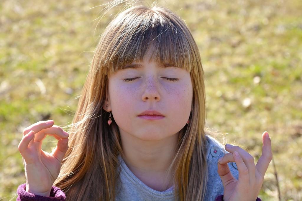 3. Practica la meditación
