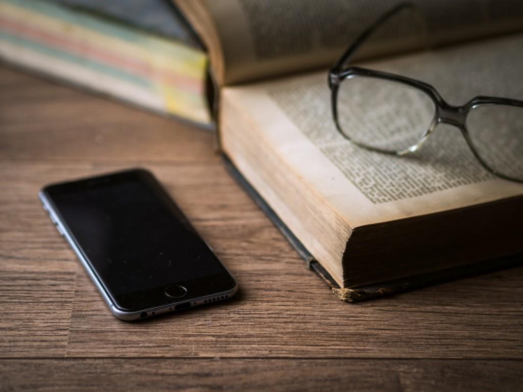 Por más que se trate de una obsesión moderada, la adicción a internet no es un hábito saludable. Aprende a hacer a un lado este vicio con los siguientes tips.