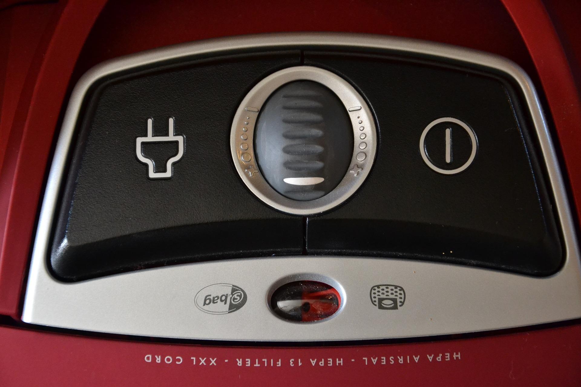 LG HOM-BOT Turbo+ - Un robot que limpia y vigila tu hogar