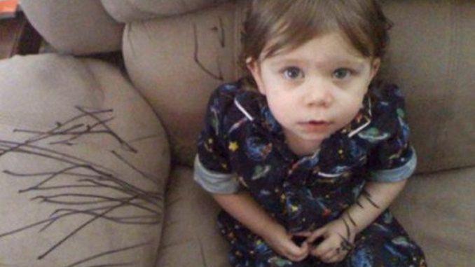 Niños pequeños: trucos para proteger los muebles
