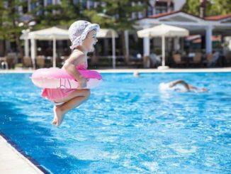 12 consejos de seguridad infantil en la piscina