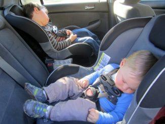 El 80% de los niños va en el auto de forma insegura