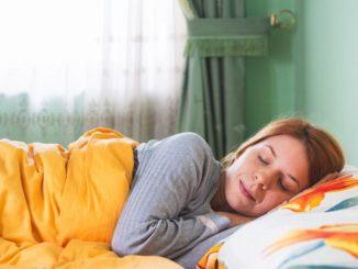 La noche de martes es cuando mejor dormimos