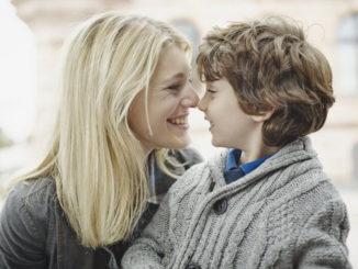 Cinco frases positivas para decirles a tus hijos