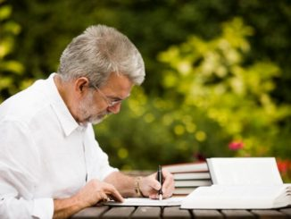Traducir un texto por día previene el Alzheimer